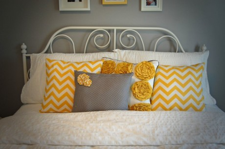 inspiration-bedroom-cute-and-sweet-yellow-cushions-on-unique-white-beds-white-cover-bedding-and-cool-three-pictures-attach-on-grey-wall-color-panels-bedroom-for-teen-girls-grey-bedroom-design-views-g-930x618