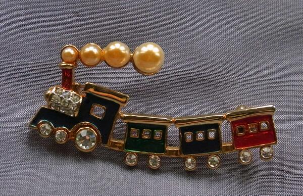The brooch for my story, paired with King's Cross Station (image from TubeFlash website)